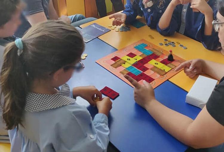 jardim-escola-joao-de-deus-servicos-adicionais-jogos-de-tabuleiro-modernos